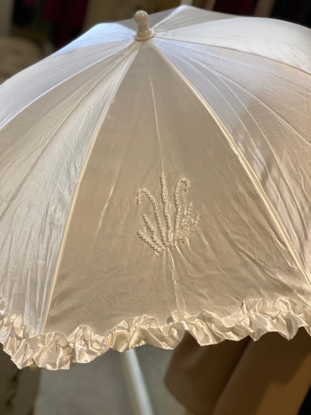 WHITE SATIN COMMUNION UMBRELLA