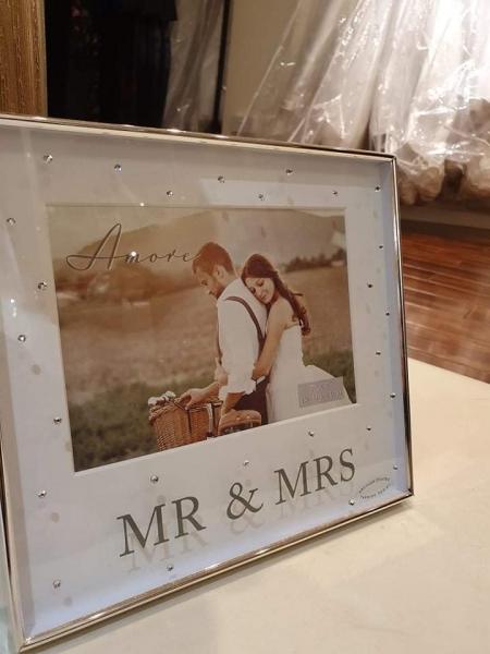 Mr & MRS Large Frame