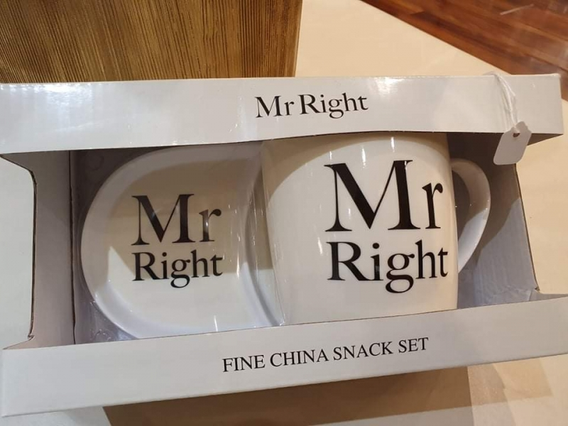 Mr Right Mug Set